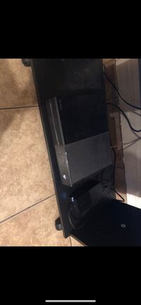 Xbox one  Bakersfield, 93307