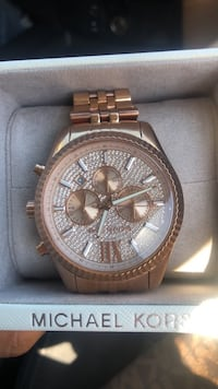 round gold Michael Kors chronograph watch with link bracelet Los Angeles, 90059