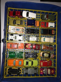 Hot wheels vintage carrying case + cars