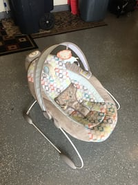baby's white and gray bouncer Laurel, 20707
