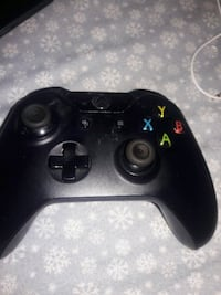 black Xbox One wireless controller Springfield, 22150