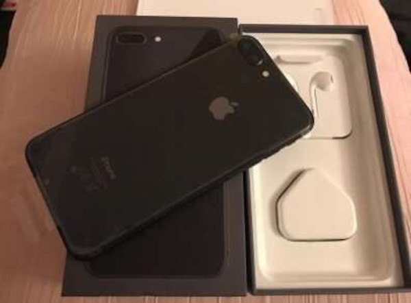 IPhone 8 For sale good condition just don't like the phone! 1f6b8efd-353a-47db-937f-9024b33dac02