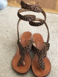 Leopard sandals with legs strap. Size 39  Oakland, 94607