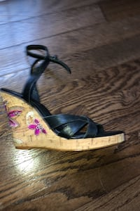 Beautiful black wedges (leather) with flower detail  Fairfax, 22032