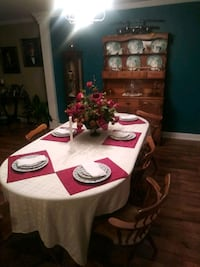Dining room table chairs and China cabinet Florence, 35633