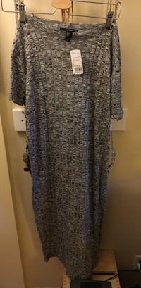 women's gray scoop-neck long-sleeved dress Surrey, V3T 5S8