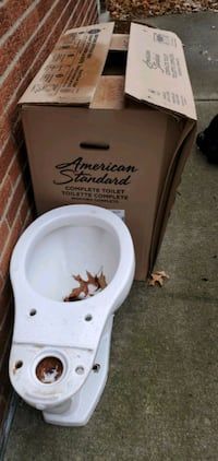 American standard toilet. Pick up only.  Brand new seat included.