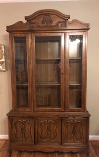 Solid wood hutch. Great condition  Kernersville, 27284