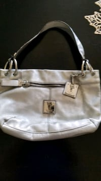 Beautiful Tignanello purse/bag Tracy