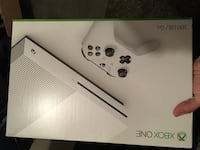 Xbox one s with extras Green Cove Springs, 32043