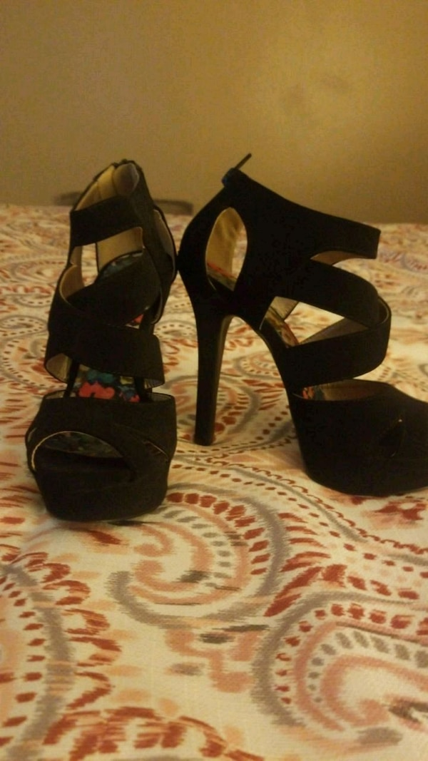 8fbc7a5dc Used Heels size 7 for sale in Victorville - letgo