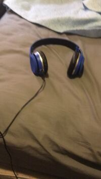 blue and black corded headphones Detroit, 48205