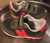New balance Velcro sneakers size 10 1/2 kids Sunrise, 33325