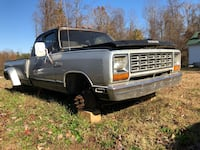 1982 dual wheel truck(non negotiable ) Burlington, 27217