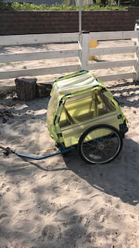 Green and black bicycle trailer Wasaga Beach, L9Z 2H9