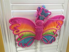 Butterfly wings with attached wand - Lights up and plays music
