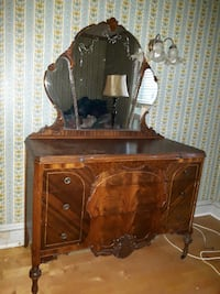 1930's Dresser with Mirror Ottawa, ON, Canada