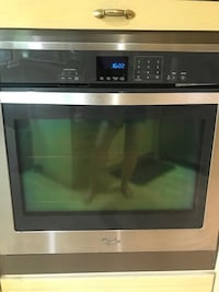 Whirlpool built in wall oven (model WOS51EC0AS) in stainless steel Toronto, M6C 3J1