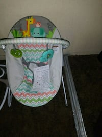 baby's white and green bouncer Las Vegas, 89106