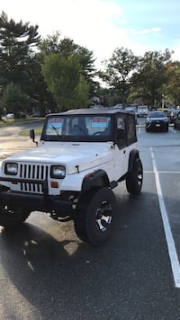 Jeep - Wrangler YJ - 1995. 4 Cylinder.  Manual drive