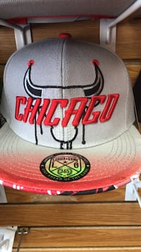 white and red Chicago Bulls fitted cap Fort Wayne, 46806