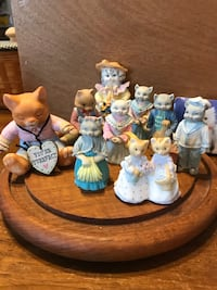 Precious!!! Porcelain Kitty figures collection