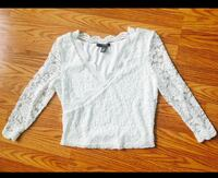 White scoop-neck long-sleeved lace crop too Markham, L6E 0L6