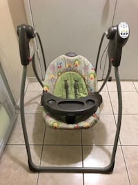 Graco baby swing with adjustable seat , 6 speed ,music , alarm and working and good condition Toronto, M1R 1S9