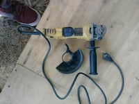 Dewalt angle grinder (with handle and guard Tomball