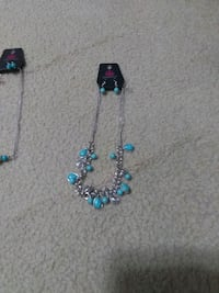 Necklaces and earrings set McLean