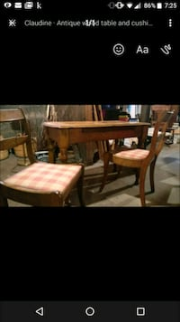Antique wood table and chairs Hamilton, L9A 3M8