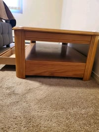coffee table  (pending pick up)
