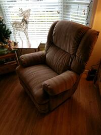 brown recliner sofa chair Free! Come pick it up! Fairfax, 22033