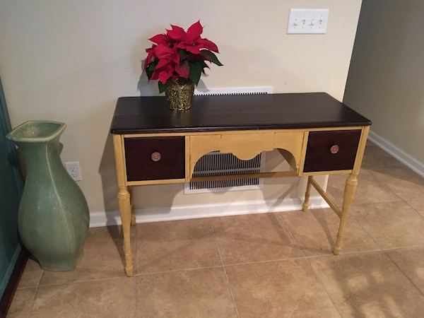 Refurbished antique vanity/desk - Used Refurbished Antique Vanity/desk For Sale In Jacksonville - Letgo