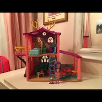 Enchantimals Cozy Deer House and playlet + doll and animal Mont-Royal