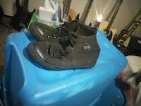 pair of black-and-blue Nike basketball shoes 1132 mi