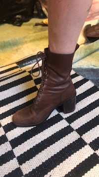 Brown leather Prairie Boot