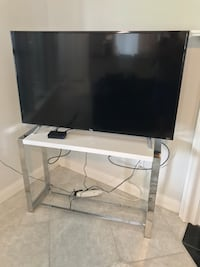 White Chrome/Mirror TV Stand/Front Door Table Ponte Vedra Beach, 32082