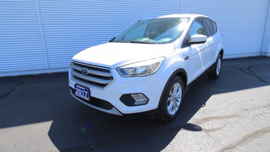 2017 Ford Escape SE / ACCIDENT FREE / BACK UP CAM / HEATED SEATS / 5b2d65f5-db57-4046-8ddd-12784bc45a02