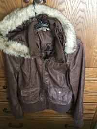 Woman's brown leather jacket Loves Park, 61111