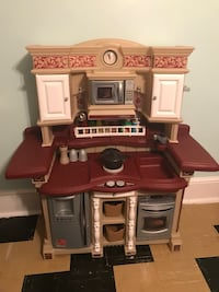 Toy Kitchen with everything a kitchen needs Wyncote, 19095