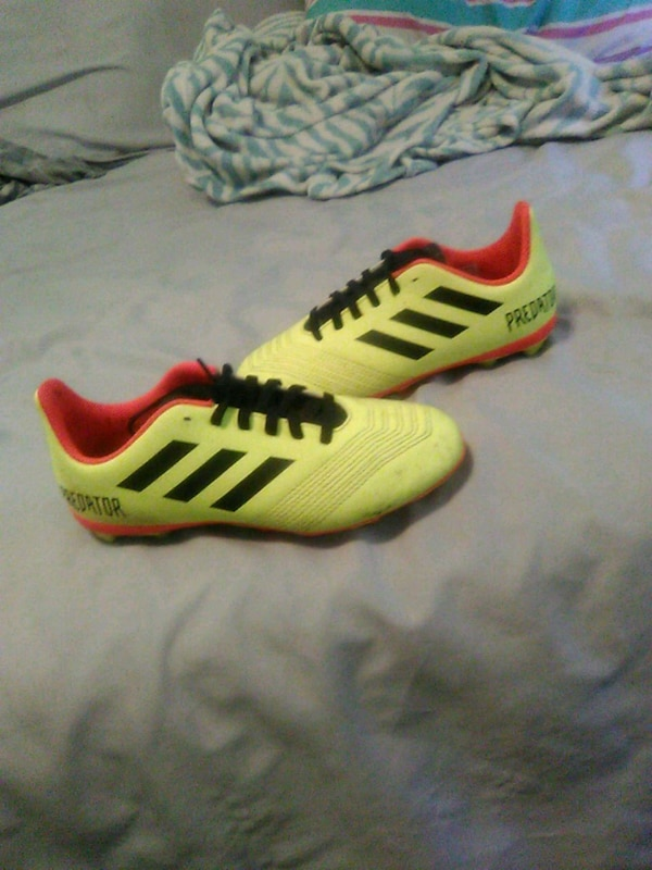 f716c9c69 Used Size 2.5 Adidas. Soccer shoes for sale in Lancaster - letgo