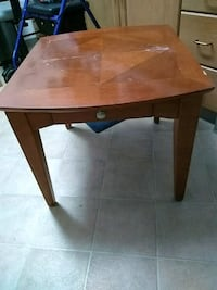 Sid Wood end table 20 inches high x 24 inches wide Everett, 98201