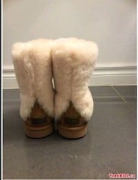 Authentic Uggs size 7 womens  Toronto, M9W 3H3