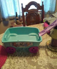 girl's Frozen teal and purple pull wagon Walkersville, 21793