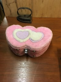 Girls fuzzy pink with hearts make up kit