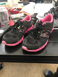 New balance running shoes  Tracy, 95391