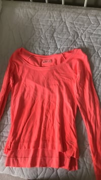 Hollister long sleeve size XS Ottawa, K2T 1H3