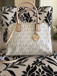 White leather michael kors monogram two way bag Frederick, 21703