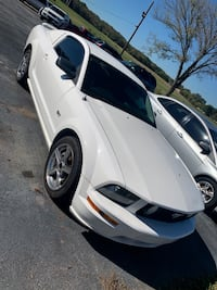 Ford - Mustang  GT - 2008 80kmiles Alabaster